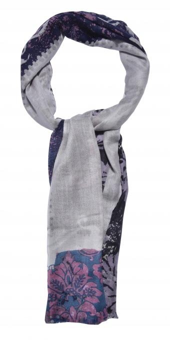 Ručne vyrábaný vlnený šál